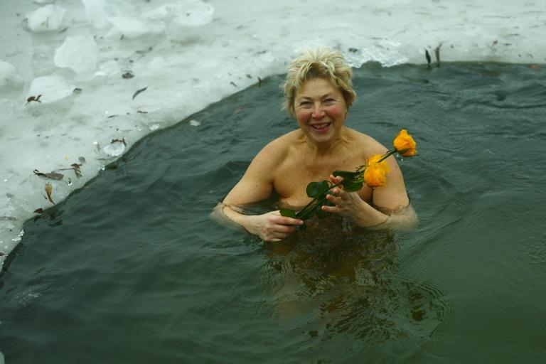 Фото эротика кулание после бани бесплатно 4 фотография